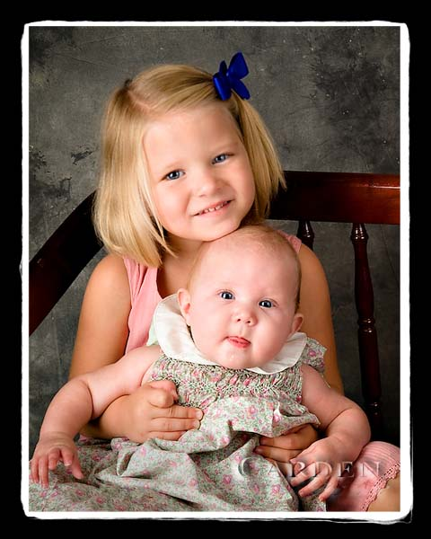 photo of sisters children child portrait in madison wisconsin